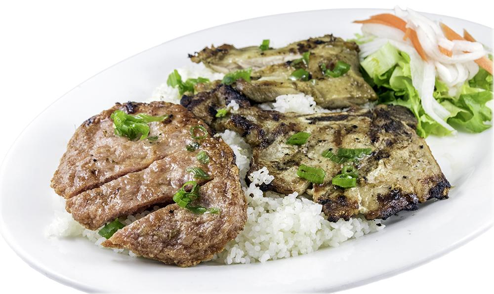 Bún ba màu (sườn, nem, gà nướng) – Three meat (barbecued chicken, pork chop & minced pork)