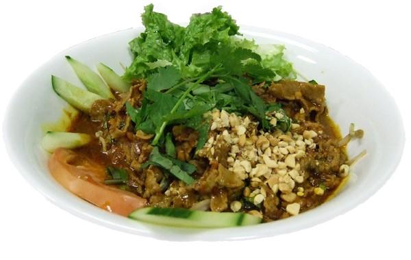 Hủ tíu sátế – Wet noodle beef satay