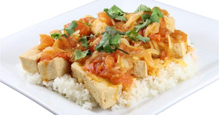 Cơm đậu hũ sốt cà chua – Crispy tofu and seasoned tomato sauce
