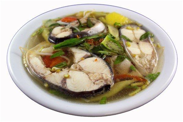 Canh chua cá hoặc tôm – Sweet & sour fish (basa) or shrimp soup