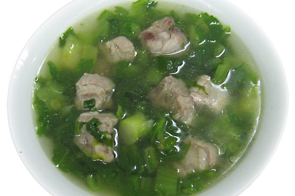 Canh cải xanh nấu sườn non – Pork spare-rib with young mustard leaf soup