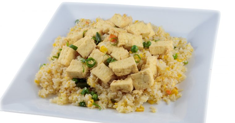 Cơm chiên đậu hủ – Vegetarian fried rice with crispy tofu & vegetables